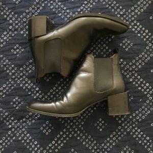 Everlane Heel Boot in Black